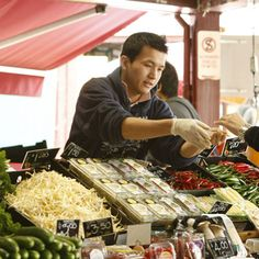 Ignite your taste buds with a Food Tour from RedBalloon. Enjoy top quality restaurants or authentic market feed from our range of delicious Culinary Tours. Gourmet Gifts, Food Gifts, Queen Victoria Market, Mum Birthday, Food Tasting, Sandy Beaches, Tour Guide, A Food, Melbourne