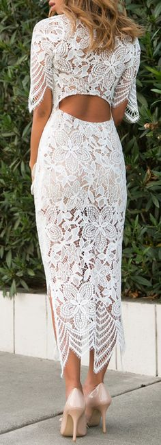 Lace maxi bodycon dress, amazing for a beach rehearsal dinner or bachelorette Rehearsal Dinner Outfits, Rehearsal Dinners, Wedding Rehearsal Outfit, Maxi Robes, Lace Midi Dress, White Lace Bodycon Dress, Floral Lace Dress, Little White Dresses, Classy Outfits