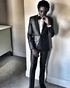 Caleb McLaughlin's outfit for the Golden Globes