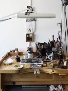 lingered upon: N + A New York Artist Workshop, Workshop Studio, Creative Workshop, Maker Studios, Desk Layout, Creative Suite, Studio Organization, Workspace Inspiration, Craft Storage