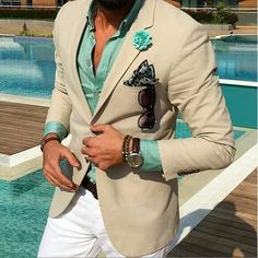 de - The № 1 gentleman shop! Classic products for men. Sharp Dressed Man, Well Dressed Men, Mens Fashion Suits, Mens Suits, Men's Fashion, Stylish Men, Men Casual, Poses References, Men Formal