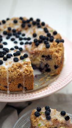 Mustikka-sitruunamurukakku – Lunni Leipoo Cereal, Muffin, Breakfast, Food, Healthy, Morning Coffee, Muffins, Cupcake, Meals
