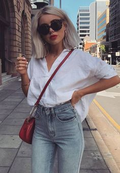 casual style perfection / white oversized shirt + red bag + jeans