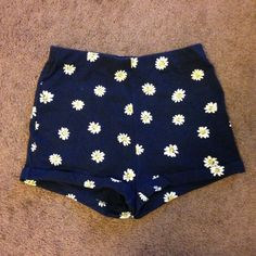 ⭐️ navy blue high waisted shorts with daisy prints - shorts have no pockets or zippers - great condition, like new - NO TRADES SORRY Forever 21 Shorts