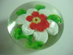 Vintage ANTIQUE Beautiful Blown Glass CRYSTAL Paperweight RED WHITE GREEN FLOWER