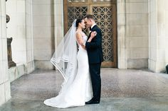 Elegant wedding with calla lilies |Stephanie & William  See more on Love4Wed  http://www.love4wed.com/elegant-wedding-with-calla-lilies/  Photography by Katie Painter Photography   http://www.katiepainterphotography.com/