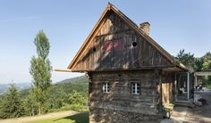 """Stadl Altenbach is a historic """"Kellerstöckl"""" (an agricultural building) transformed into a wellness retreat in southern Styria, Austria. Agricultural Buildings, The Good Place, Indoor Outdoor, Barn, Wellness, Construction, Exterior, Vacation, House Styles"""