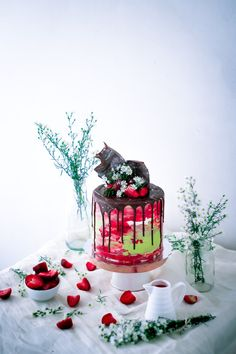 Texture Buttercream Cake with Chocolate drip