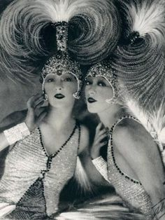 Era The Dolly Sisters , Rose and Jenny Dolly, Ziegfeld Follies, pre code Jazz Age Showgirls We have been collecting prints for several years. These represent the glamour and style of the early years of the Century. Vintage Glamour, Vintage Beauty, Vintage Fashion, Fashion 1920s, 1920s Glamour, 2000s Fashion, Edwardian Fashion, Gothic Fashion, Fashion Fashion