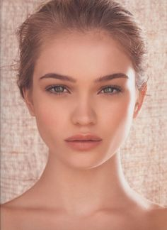 Peach lips with light pink and bronze cheek and shadow...bare beauty! E.Lee D