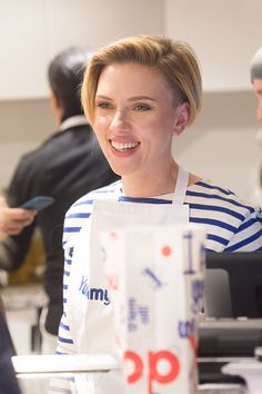 Scarlett Johansson, Badass Haircut, Black Widow Scarlett, Lucy Boynton, Undercut Pixie, Kirsten Dunst, Cute Beauty, Short Haircut, Pixie Hairstyles