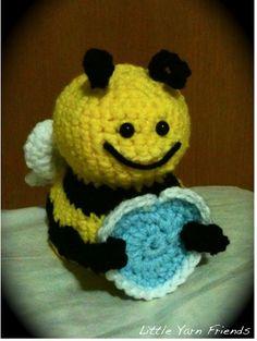Bumble Bee - free amigurumi crochet pattern here: http://artedonia.blogspot.se/2010/07/bumble-bee-free-pattern.html