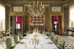 La salle à manger d'apparat du château de Champ de Bataille.