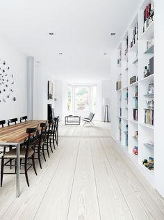 Interior design / The Design Chaser: Wooden Flooring Home Interior, Interior Architecture, Interior Design, Style At Home, White Wooden Floor, Deco Design, Wooden Flooring, White Flooring, Plank Flooring