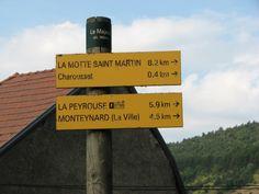Balade en Matheysine qui vous offrira au sommet un splendide panorama à 360° sur la Chartreuse, Belledonne, le Vercors et le Dévoluy. A privilégier par temps très net pour en profiter un maximum. Circuit sur http://www.visorando.com/randonnee-la-peyrouse/