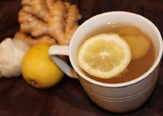 Sarımsak Çayı Nasıl Hazırlanır?  Bir cezveye yada çaydanlığa 2 bardak su koyun. Suyun içine 2 yada 3 diş sarımsak  ve 2-3 adet karanfil ekleyin. Karanfil ve sarımsaklarla suyu iyice kaynatın. Kaynayan suyu soğumaya bırakın. Su ılındıktan sonra Bir çay kaşığı bal ve 3-5 damla limon sıkarak sarımsak çayını içebilirsiniz. Karanfil keskin bir tat veriyor diyorsanız, karanfil eklemeyebilirsiniz.