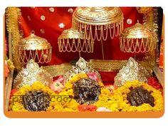 Vaishnodevi Mata Aarti by Acharya Rahul Kaushal  ---------------------------------------------------- !! जै वैष्णो माता, मैया जै वैष्णो माता , हाथ जोड़ तेरे आगे, आरती मैं गाता,  जै वैष्णो माता, मैया जै वैष्णो माता !! http://www.pandit.com/vaishnodevi-mata-aarti/