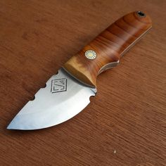 An almost complete, very nice, workmanlike small knife from CSR Knives