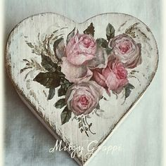 1 million+ Stunning Free Images to Use Anywhere Decoupage Vintage, Vintage Crafts, Shabby Vintage, Shabby Chic Wreath, Shabby Chic Crafts, Vintage Valentines, Valentine Crafts, Diy And Crafts, Arts And Crafts