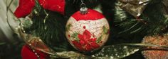 Choinka jest jak kobieta – dobrze kiedy jest piękna i wystrojona. Które bombki wybrać, żeby nie zrujnować portfela, ale oryginalnie udekorować świąteczne drzewko?