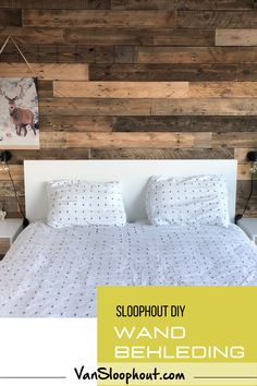 #muurbekleding #wand #wandbekleding #hout #houtenwand #barnwood #barnwoodwall #interieurdesign #woonkamerinspiratie #interieurinspiratie #kantoordecoratie #design #wandpanelen #muurdecoratie #wandvanhout #industrieelwonen #houtenwanddecoratie #landelijkwonen #muren #interieur #interior #interieurontwerp #interieurarchitectuur Plank, Bed Pillows, Pillow Cases, Furniture, Design, Home Decor, Pillows, Decoration Home, Room Decor