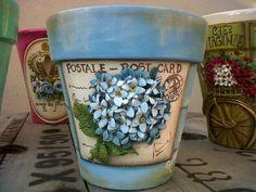 (2) Ravbieta Diseño Painted Clay Pots, Painted Flower Pots, Clay Pot People, Mod Podge Crafts, Decorated Flower Pots, Pasta Flexible, Decoupage Paper, Terracotta Pots, Hydrangeas