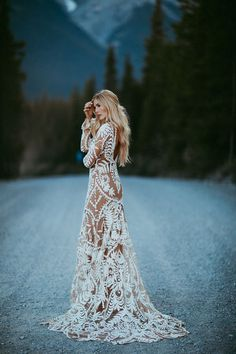 Inspiration with a Show-Stopping Boho Lace Gown -Elopement Inspiration with a Show-Stopping Boho Lace Gown - Meet our beautiful bride Lizzie in Photo by This lace Rue de Seine dress was ideal for this Tulum beach wedding Luxury Wedding Dress, Glamorous Wedding, Perfect Wedding Dress, Best Wedding Dresses, Boho Wedding Dress, Gown Wedding, Wedding Cake, Wedding Shot, Modest Wedding