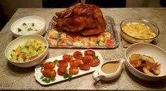 Forberedelse: La kalkunen tine 3 døgn i kjøleskapet. 3 D, Bacon, Eggs, Snacks, Meat, Chicken, Ethnic Recipes, Appetizers, Egg