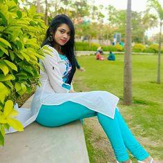 Bollywood Actress Hot Photos, Bollywood Girls, Tamil Actress, Happy Hour Outfit, Glamour Ladies, Desi Girl Image, Dehati Girl Photo, Indian Girl Bikini, Young Girl Fashion