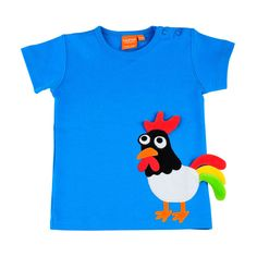 Beautiful tshirt with a blue rooster. It's time to wake up to play.
