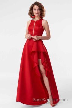 2019 Uzun Abiye Modelleri Kırmızı Uzun Kolsuz Önden Yırtmaçlı Fırfır Detaylı