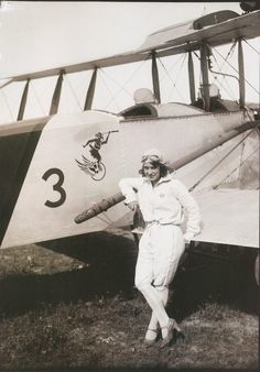 """1920s first Portuguese female pilot nicknamed """"Milú"""" who started flying at the age of 21."""