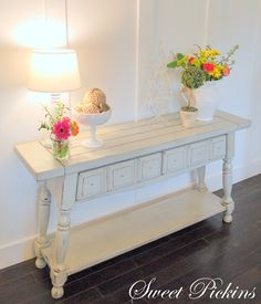 i need this for the entry way! temple picture above. Cottage Furniture, Redo Furniture, Furniture Design, Blue Furniture, Furniture Decor, Furniture, Sofa Tables, Home Decor, Home Furnishings