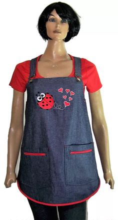 Delantal Jumper Maestra Jardinera Talles Desde El 38 Al 48 - $ 490,00 en Mercado Libre Easy Sewing Projects, Sewing Crafts, Couture, Teacher Apron, Adult Bibs, Apron Designs, Sewing Aprons, Old Jeans, Recycled Denim