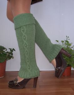 Legwarmers03_small2  Aran / 10 ply (8 wpi) ? Needle sizeUS 10 - &US 9 Yardage450 - 550 yards Sizes availableone size fits most (tips for altering size included