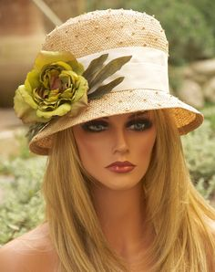 Handmade by Hollywood milliner. Kentucky Derby Fashion, Kentucky Derby Hats, Fancy Hats, Cool Hats, Tea Party Hats, Love Hat, Hats For Women, Ladies Hats, Wedding Hats