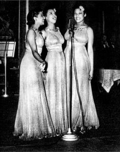 Etta Jones (l), Dorothy Dandridge (c), and Vivian Dandridge (r), otherwise known as The Dandridge Sisters.