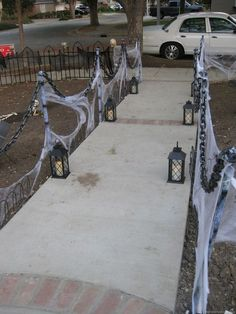 Amazing DIY Halloween Outdoor Decorations Ideas You Should Try ✓ - Steadily yow will discover these at no cost or an amazing low cost. With these concepts you'll be ready to impress a lot because the bravest of visitors. Outdoor Halloween Parties, Halloween Outside, Soirée Halloween, Halloween Designs, Halloween Yard Ideas, Diy Outdoor Halloween Decorations, Diy Halloween Entrance, Holoween Decorations, Diy Halloween Graveyard Props