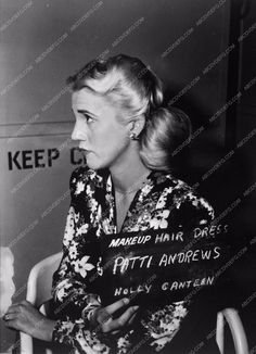 photo Patty Andrews Sisters makeup hair dress film Hollywood Canteen 3800-03