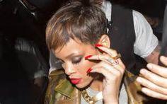 riri coiffure au top et faux ongles parfait veste dolce & gabana millitaire