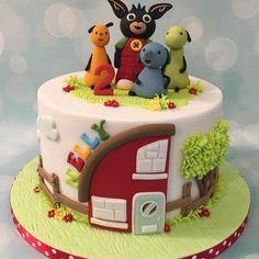 Bing bunny and friends birthday celebration cake with house and tree Bunny Birthday Cake, Cartoon Birthday Cake, 1st Birthday Cake For Girls, Coelho Bing, Bing Hase, Bing Bunny, Festa Pj Masks, Friends Cake, Rabbit Cake