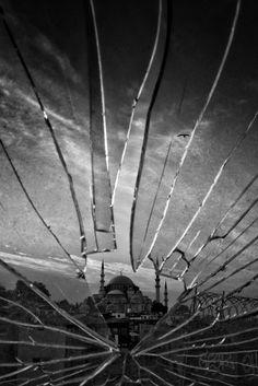Kırık (broken) by Emirkan Cörüt - Photo 218925183 / 500px.   #nature #wallpaper #bw #light #istanbul #turkey #abstract #spider #bright #design #pattern #texture #art #monochrome #canon #dark #space #outdoors #science #shape #türkiye #can #futuristic #desktop #camii #1855 #noperson #650d #kırık #blackandwhite
