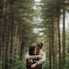 With cozy sweaters, tall trees, and a warm blanket, this engagement session by…