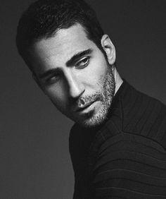 Miguel Angel Silvestre Miguel Angel, Angel Silvestre, New Boyfriend, Eye Candy, Netflix, Novels, Portrait, Celebrities, Hair Styles