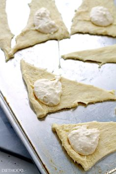 Lemon Cheesecake Crescent Rolls Recipe | Diethood