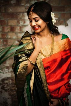 Saree Poses For Girls