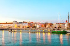 Figueira da Foz Travel Bugs, Portuguese, Beautiful Landscapes, Perfect Place, Places To Travel, Places Ive Been, Europe, Country, World