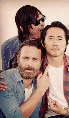 The Walking Dead - Rick, Daryl and Glenn (Andrew, Norman and Steven) Walking Dead Zombies, Memes The Walking Dead, Carl The Walking Dead, The Walking Dead 3, Norman Reedus, The Walking Dead Wallpapers, Steven Yeun, Rick Grimes, Zombie Movies