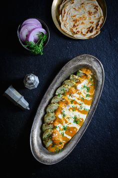 Lauki Nazakat is a vegetarian Awadhi recipe made with bottle gourd which truly reflects the rich and royal nature of the Mughlai Cuisine. Paneer Dishes, Veg Dishes, Vegetarian Curry, Vegetarian Recipes, Cooking Recipes, Royal Recipe, Indian Veg Recipes, Punjabi Recipes, Rajasthani Food