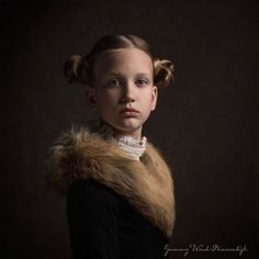 These 25+ Photos By A Dutch Artist Look Like Classical Paintings Brought To Life Photography Women, Fine Art Photography, Portrait Photography, Fashion Photography, Classic Portraits, Classic Paintings, Rembrandt Portrait, Tableaux Vivants, Photographer Headshots
